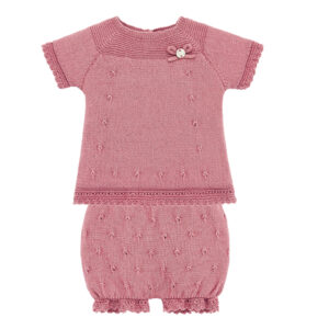 """Paz Rodriguez Set """"Cascada"""". Knitted sweater and shorts set. Dry pink cotton sweater, with worked mesh details. A small bow and a mother of pearl medal complete this delicate sweater. cotton knit shorts that fit your baby's leg without hurting. Perfect set for hot spring and summer days."""