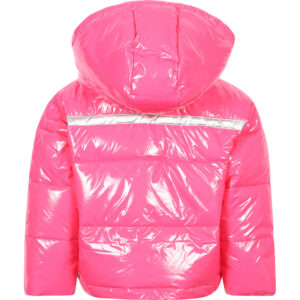 Twinset Kids Logo Stripe Glossy Jacket. Perfect Logo Stripe Glossy Padded Winter Jacket in Pink for cold days. Perfect for everyday style, to go with jeans and combat boots. Quilted and hooded, very comfortable and warm for winter days. The pink glossy makes this jacket a must have of the season.