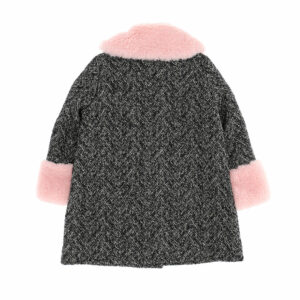 Chiara Ferragni Kids Gray Coat. This baggy retro coat is irresistible, accented by a fun plush collar. Overcoat-style jacket with front buttons and two pockets. Very soft fur on collar and cuffs.