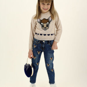 Monnalisa Kids Wool Disney Pullover. A sweet fawn is the protagonist of this pullover with inlay work. Girls lovely knitted wool sweater in beige from Monnalisa. It has a cute Disney© Bambi motif in beige and navy blue hearts on the front. In a relaxed fit, it has dropped shoulders and a curled neckline.